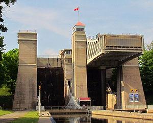 Peterborough Lift Lock, 2012.jpg