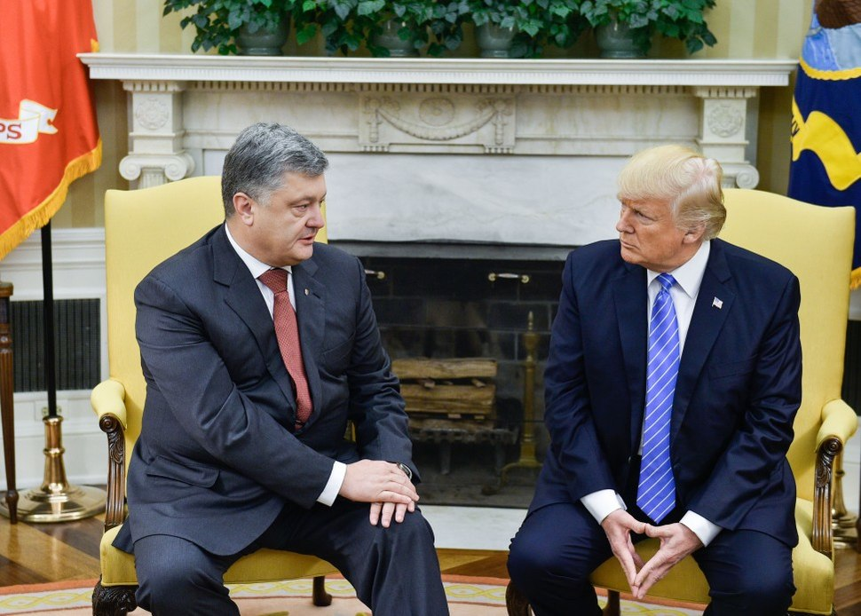 Petro Poroshenko and Donald Trump in the Oval Office, June 2017 (1)