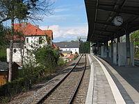 Platform Arnstadt southern station.JPG