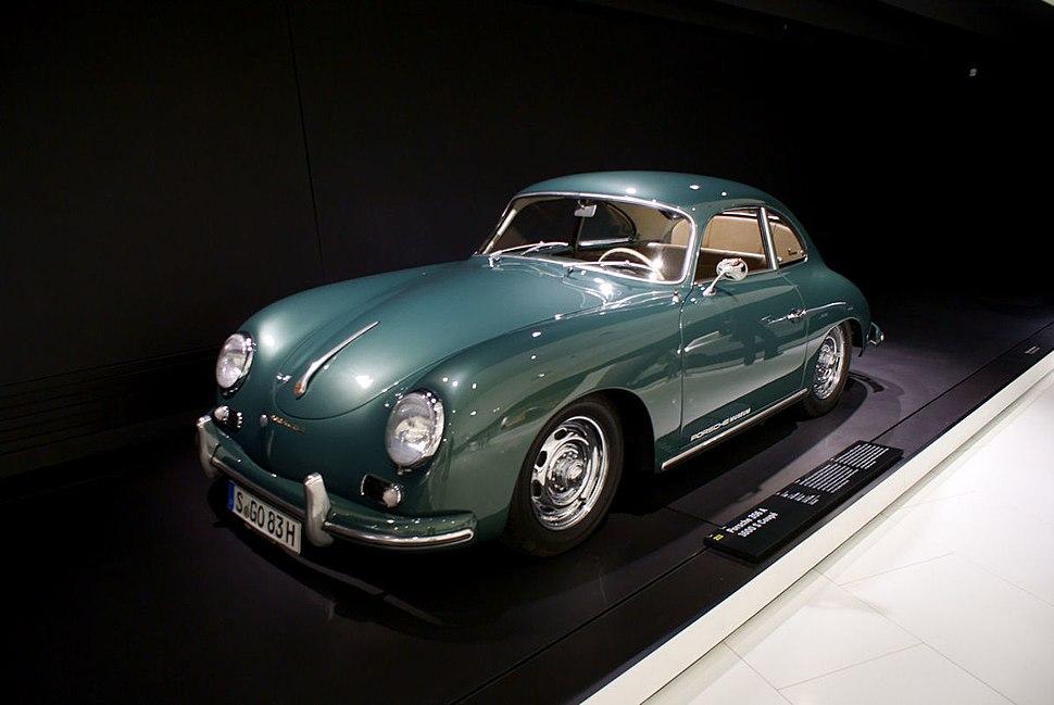 Porsche 356A 1956 1500 S Coupe LSideFront PorscheM 9June2013 (14826038018)