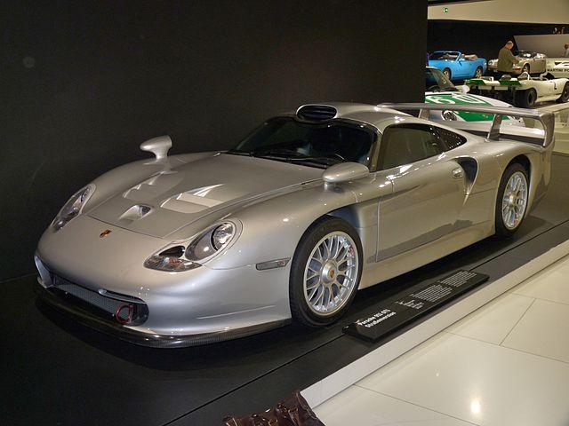 640Px Porsche 911 GT1 Street Version 1997 Frontleft 2010 03 12 A