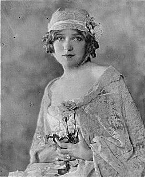 Portrait photograph of Mary Pickford, 1921