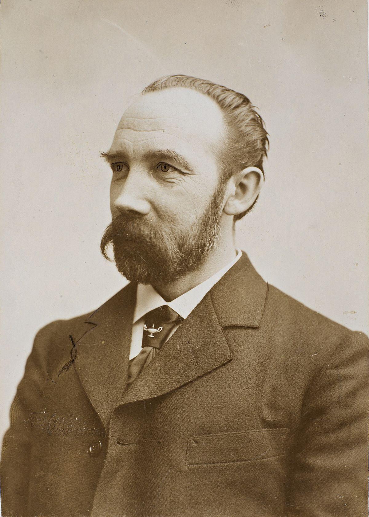 Moltke Moe - Wikipedia