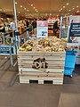 Potatoes for sale inside of Albert Heijn Winschoten (2018).jpg