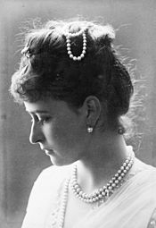 Princess Elisabeth of Hesse 1887 (b).jpg