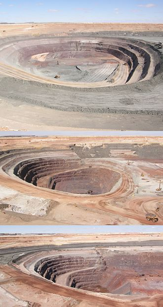 Prominent Hill Mine - Prominent Hill open pit from September 2008 to September 2010