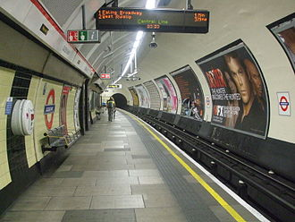 Queensway tube station - Image: Queensway station westbound look east