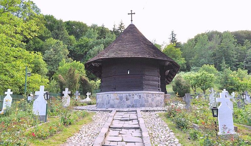 Fișier:RO VL Dezrobiti Manastirea dintr-un lemn 46.jpg