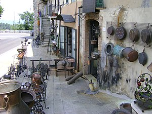 Guardiagrele - Crafts next to Porta San Giovanni