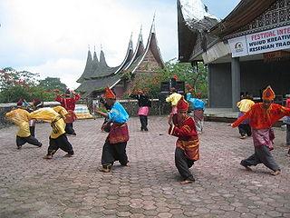 <i>Randai</i> Indonesian traditional theater