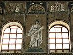 Ravenna, sant'apollinare nuovo, int., santi e profeti, epoca di teodorico 17.JPG
