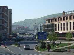 Resita boulevard near downtown - 2007.jpg