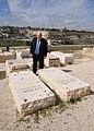 Reuven Rivlin visiting the grave of Menachem Begin, February 2018 (8387).jpg