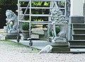 Ridderkerk - Benedenrijweg 461 (natuurstenen zittende leeuwen).jpg