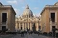 Roma - Vaticano - 002 - Basilica de San Pedro.jpg