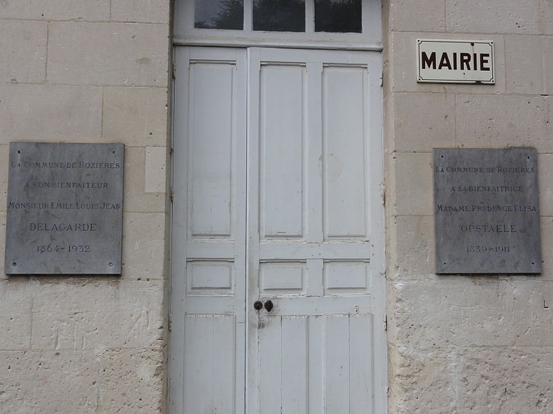 Rozières-sur-Crise (Aisne) mairie, plaques bienfaiteurs