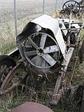 Rusty Vintage Car (2536702090).jpg