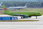 S7 Airlines, VQ-BRC, Airbus A320-214 (21178774519).jpg