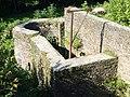 SI Ginsburg Mauern Brunnen Sued 2.jpg