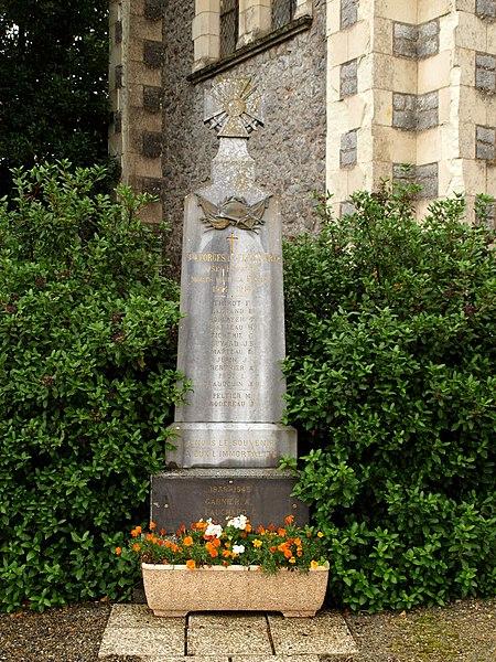 Saint-Georges-le-Fléchard (Mayenne, France); monument aux morts