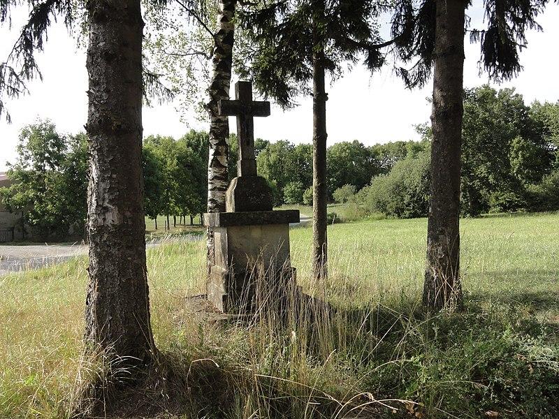 Saint-Pierrevillers (Meuse) croix de chemin