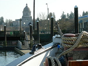 Sand Man tug and capitol 02.jpg