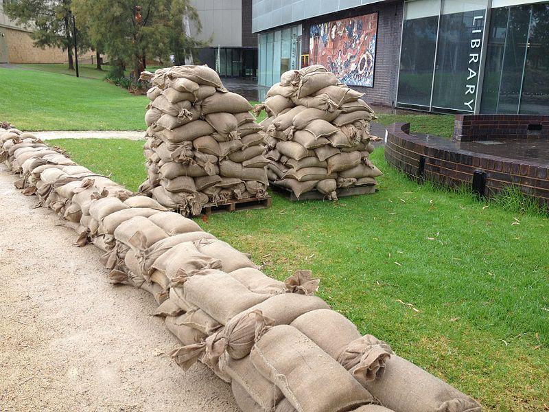 File:Sandbags lined up along the Wollundry Lagoon (2).jpg