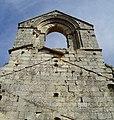 Espadaña anexa a la entrada del monasterio