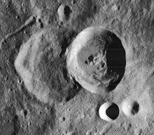 希尔萨斯利陨石坑