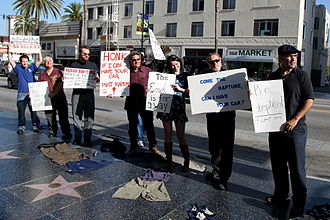 Independent Investigations Group - Skeptic groups like IIG shown here counter-protest Harold Camping's end-of-the-world prediction on Hollywood Blvd, May 21, 2011.