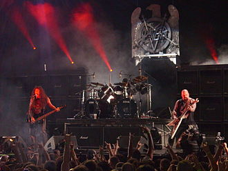 Slayer - Image: Slayer Performing at Mayhem fest 2009