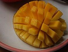 Sliced-cubed Mango 01