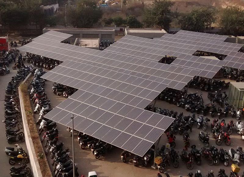 File:Solar-Panels-HUDA-station.jpg
