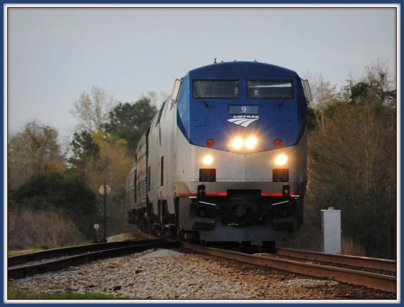 File:Southbound Amtrak Crescent - panoramio.jpg