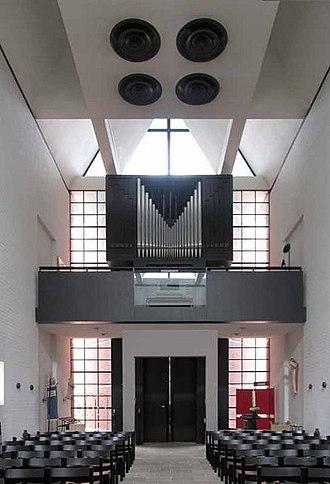 St Paul's Church, Harringay - Image: St Paul's Church Harringay interior 2