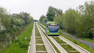 Abbey Line - Image: Stagecoach Huntingdonshire 21222 AE09 GYS and Cambridge Guided Busway