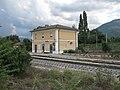 Stazione ferroviaria di Contigliano - vista complessiva da dx 02.jpg