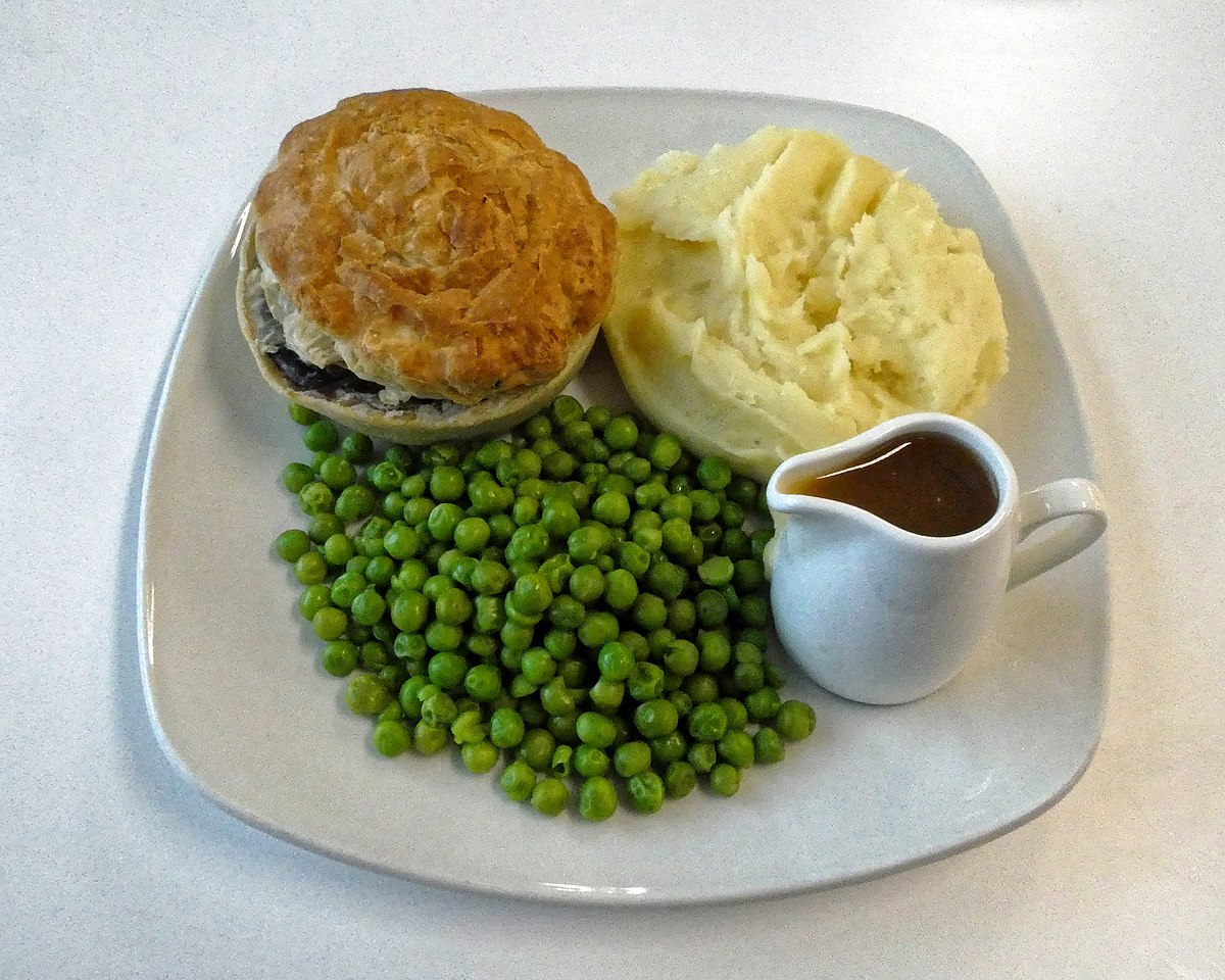 File:Steak and ale pie at Sainsbury's Low Hall, Chingford ...