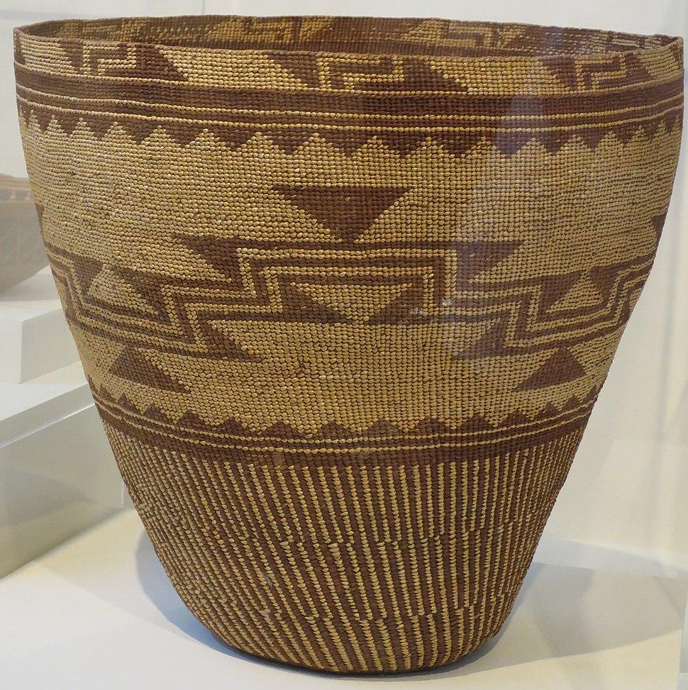 Storage basket, Pomo people, Honolulu Museum of Art, 2013-16-01