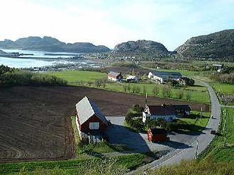 Osen - View of Strand