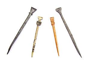 Voorbeelden van Middeleeuwse styli of schrijfstiften. Twee grote ...: nl.wikipedia.org/wiki/stylus