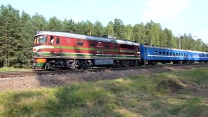 Файл:TEP60-0438 with train.webm