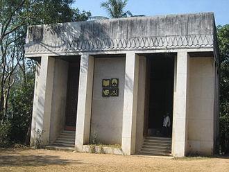 Thakin Kodaw Hmaing - Thakin Kodaw Hmaing's mausoleum on Shwedagon Pagoda Road, Yangon
