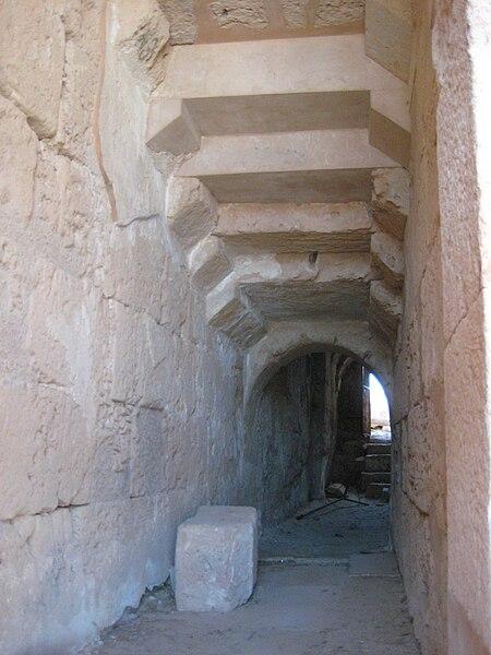File:Theater Leptis Magna 03.JPG