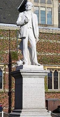 Thomas Hughes statue.jpg