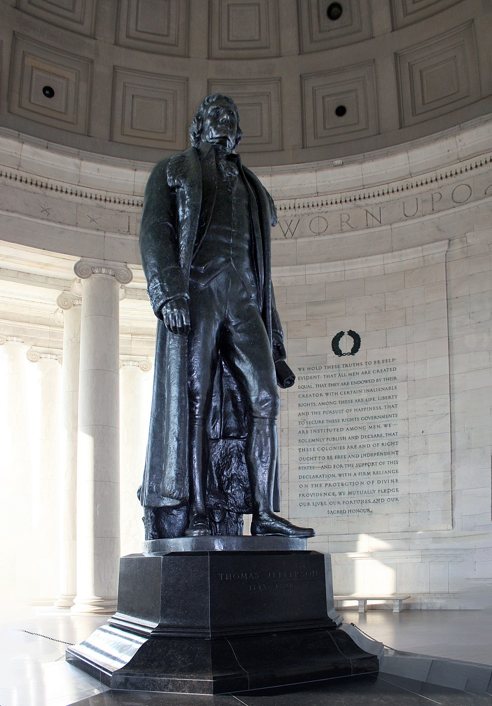 Statue of Thomas Jefferson inside Jefferson Memorial