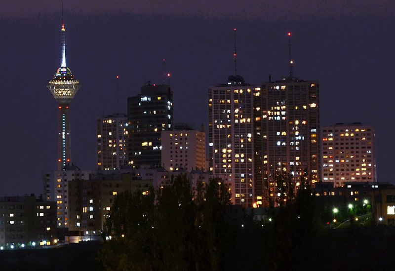 پرونده:Towers in Tehran City at night.jpg