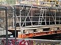 Traggerüst unter Sandsteinbogen bei Bauarbeiten Weidenhäuser Brücke in Marburg 2018-04-30.jpg