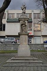 Sloup se sochou svatého Jana Nepomuckého a svaté Barbory