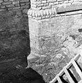 Triomfboog noord-zijde detail oostaanzicht - Lekkerkerk - 20138258 - RCE.jpg